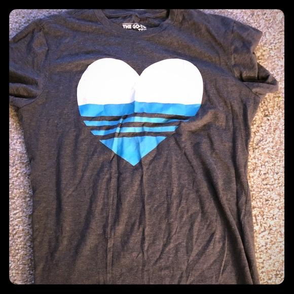 Adidas tops corazón Stripe Tee poshmark SZL